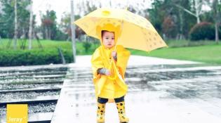 萌呆呆小满一,下雨天我也要出来溜达